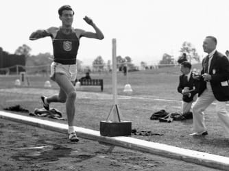 zaparini-competing-in-a-1939-tract-meet